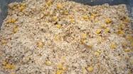Futtermischung hell mit Maden und Mais
